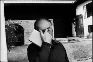 Thomas Bernhard, Obernathal 1982 © Sepp Dreissinger