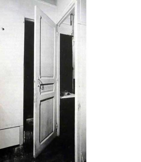 Duchamp-'Door-11-Rue-Larrey'-1927
