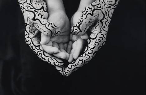 Shirin Neshat, Bonding, 1995