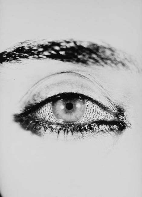 Shirin Neshat, Offered Eyes, 1993 (1)